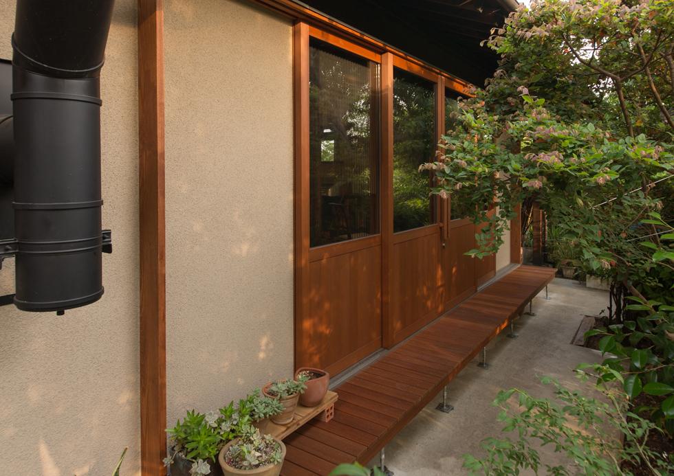 おとときの家 木製窓と濡れ縁