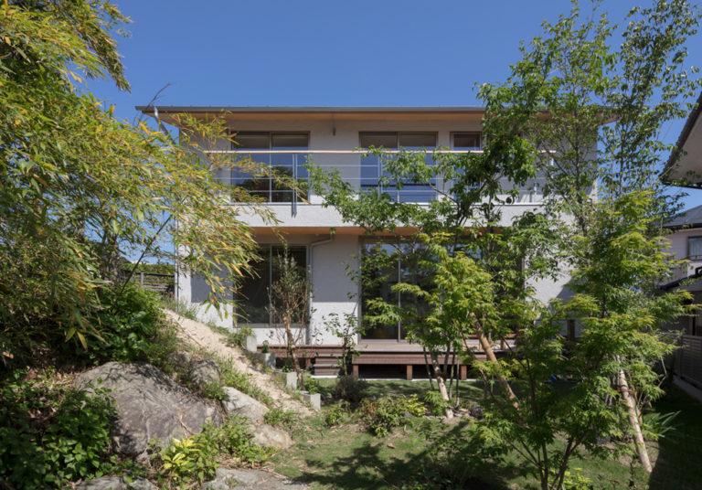 飯倉の家 雑木林の外観
