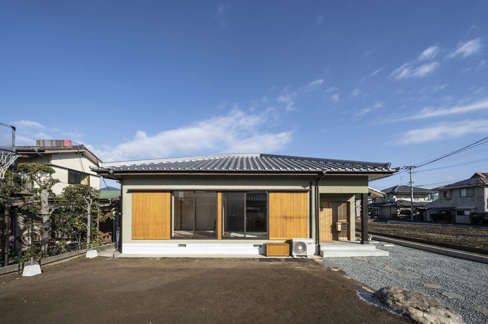 こはくの家 瓦屋根の平屋の外観