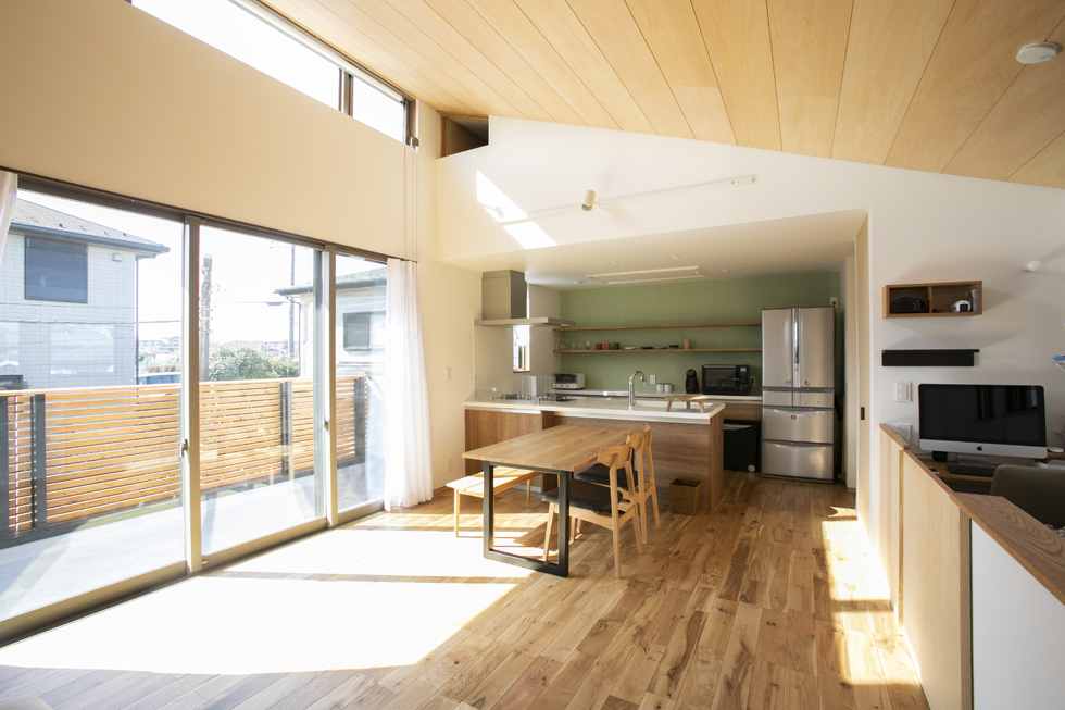 所沢の家 勾配天井の2階リビング